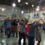 Prestígio e animação na festa tríplice, em Santos