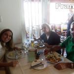 Franca comemora alegremente o Dia das Mães